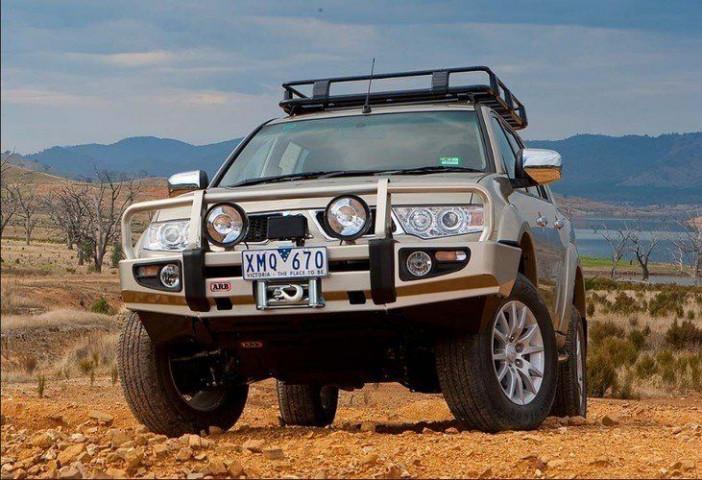 Купить Передний бампер ARB Delux для Mitsubishi Pajero Sport 10-13 3435300