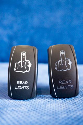 Купити Тумблер перемикач вкл / викл - індикатор рука