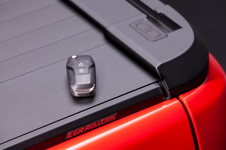 Купити Ролет електричний на Mercedes X-Class 2019+ от EGR
