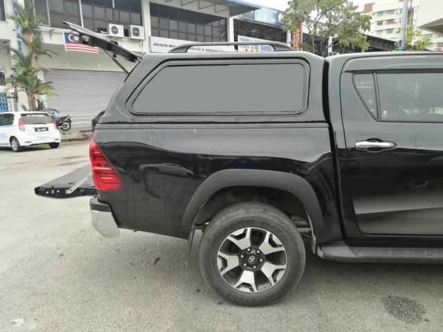 Купить Кунг на Toyota Hilux от 2015 черный с боковыми стеклами - Aeroklas