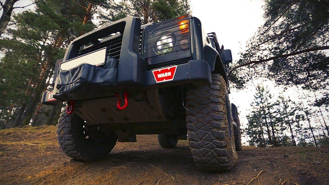 Land Rover Defender VS Nissan Terra: порівняння позашляховиків