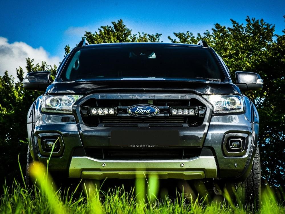 Ford Ranger 2019+ с дополнительной оптикой от Lazer